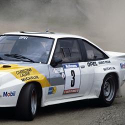Vitre avant Makrolon Opel Manta B